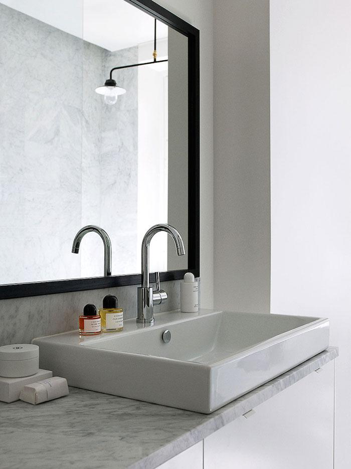Contemporary-and-Elegant-Swedish-Apartment-09