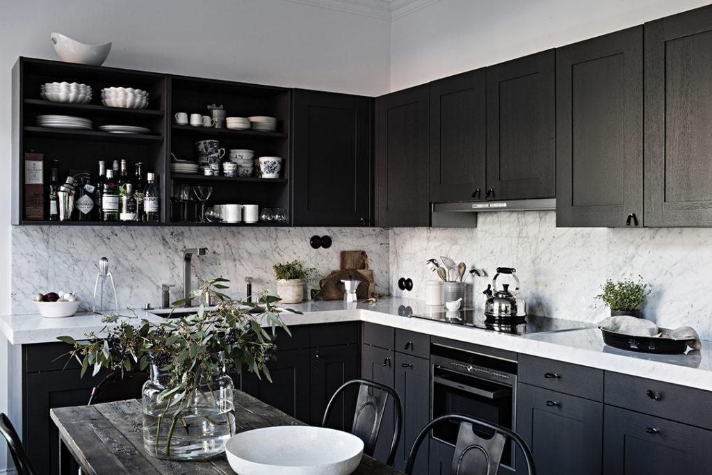 Apartament bucatarie neagra2