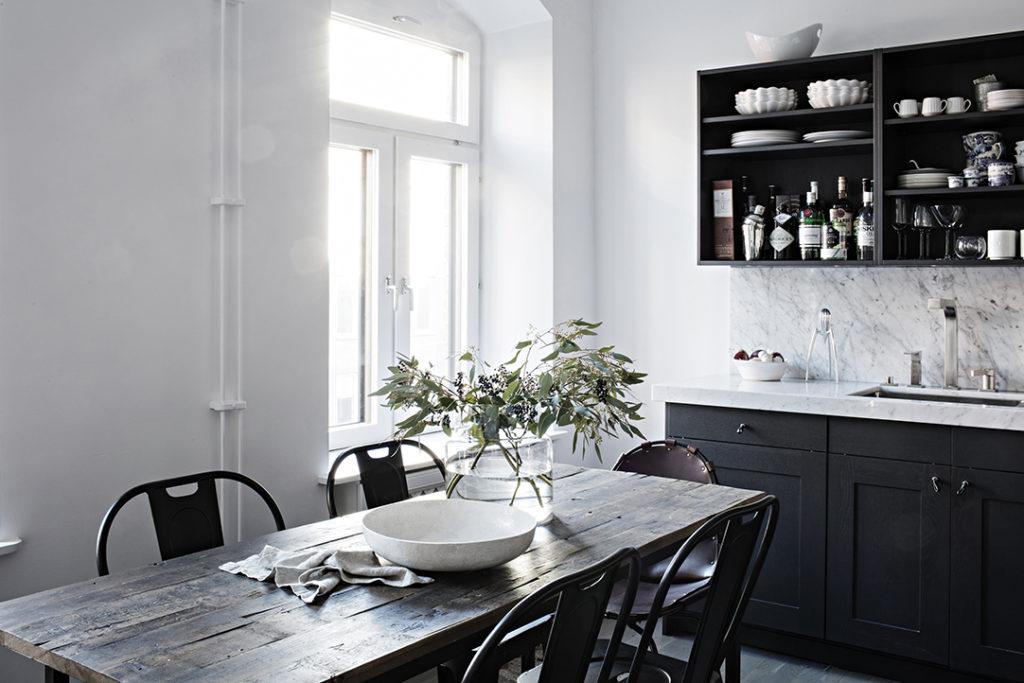 bucătărie neagră